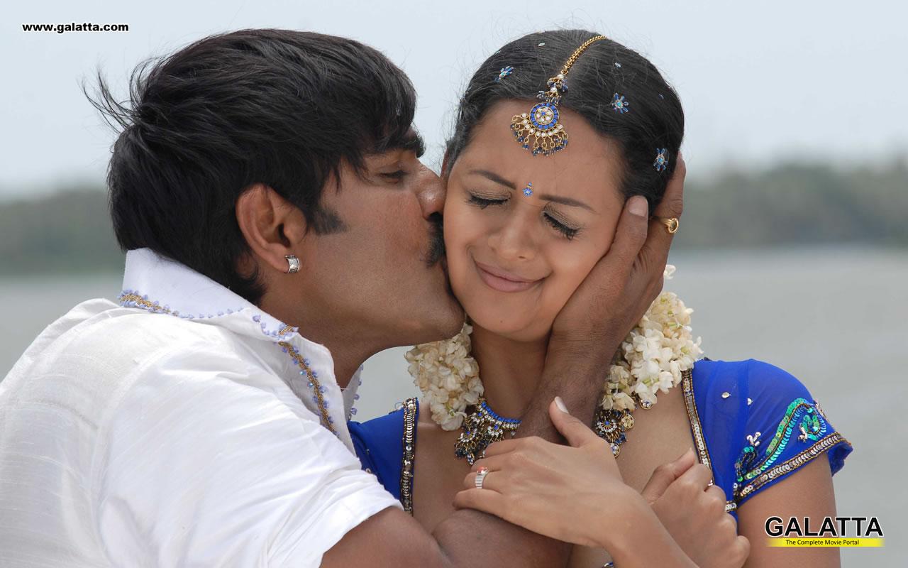 Bhavana hot navel and hot kiss in saree sexy photo gallery telugu bhavana hot navel and hot kiss in saree sexy photo gallery thecheapjerseys Images