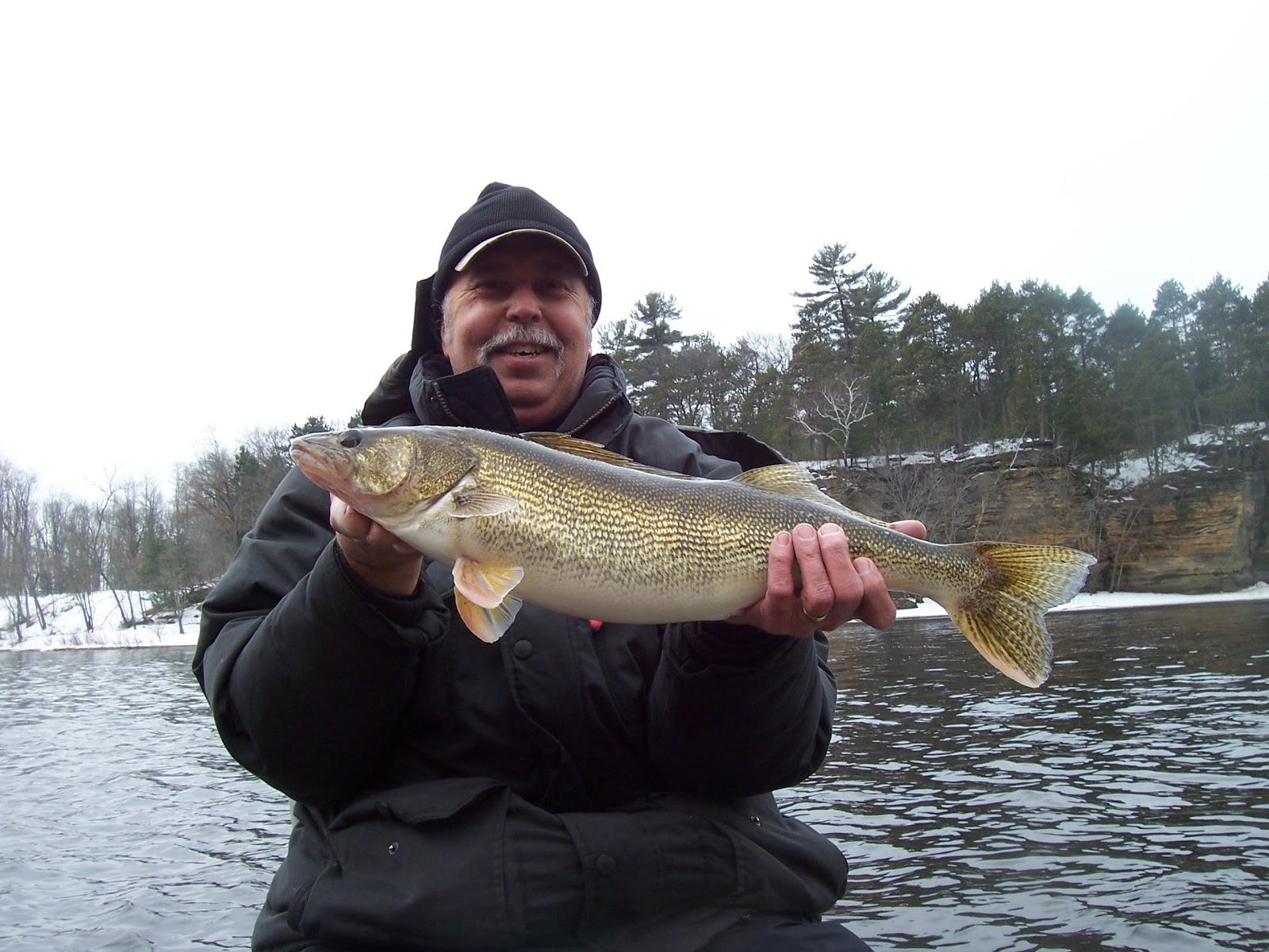 Jnb guide fishing wisconsin dells wi walleye fishing 3 for Wisconsin dells fishing report