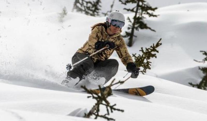 Golden Disco Hoodie Powder Skiing