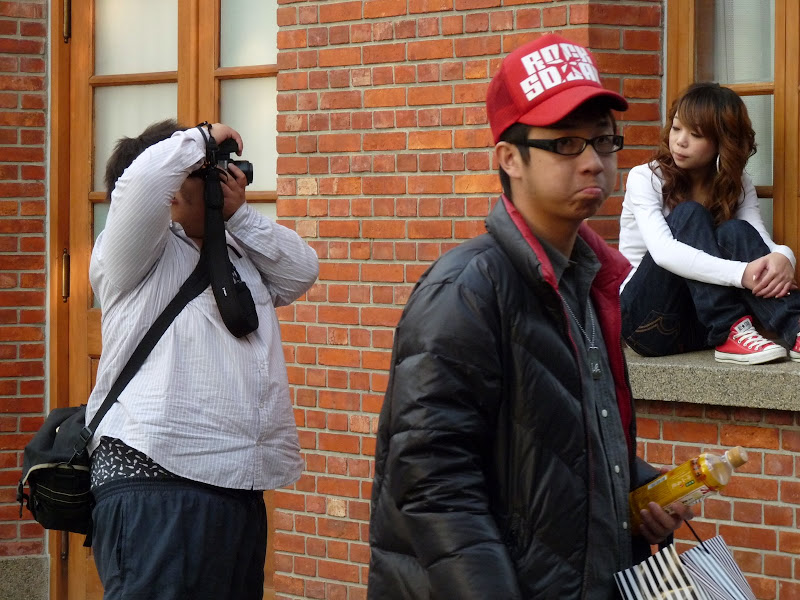 le photographe,son modèle et son assistant