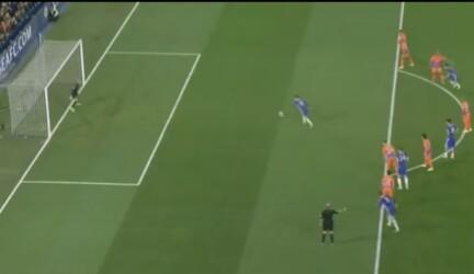Gol penalti hazard vs man city