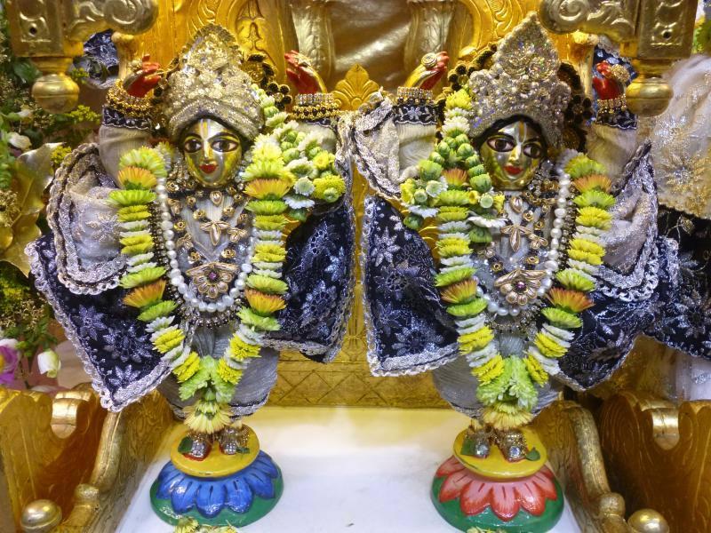 ISKCON Bhaktivedanta Manor Deity Darshan 16 Dec 2015 (11)