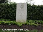 Flight Sergeant K.J. (Kenneth John) Pinnell Navigator Royal Air Force 613 Sqdn.   Oosterbegraafplaats Enschede