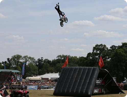 Freestyle Motocross Stunt Display Show by The Bolddog Lings Freestyle Team (1)