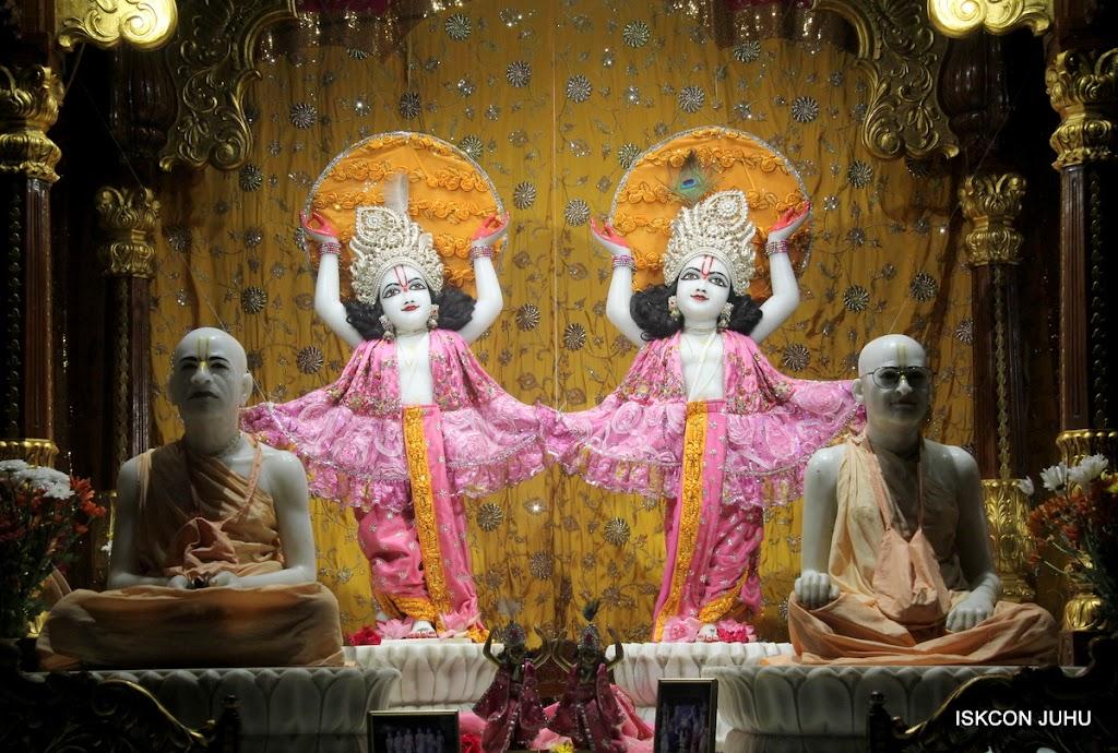 ISKCON Juhu Mangal Deity Darshan on 30th June 2016 (28)