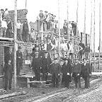 1915 Eeerste steen voor  Bouw Melkfabriek Antoon Kavalaars bij kruisje_BEW.tif