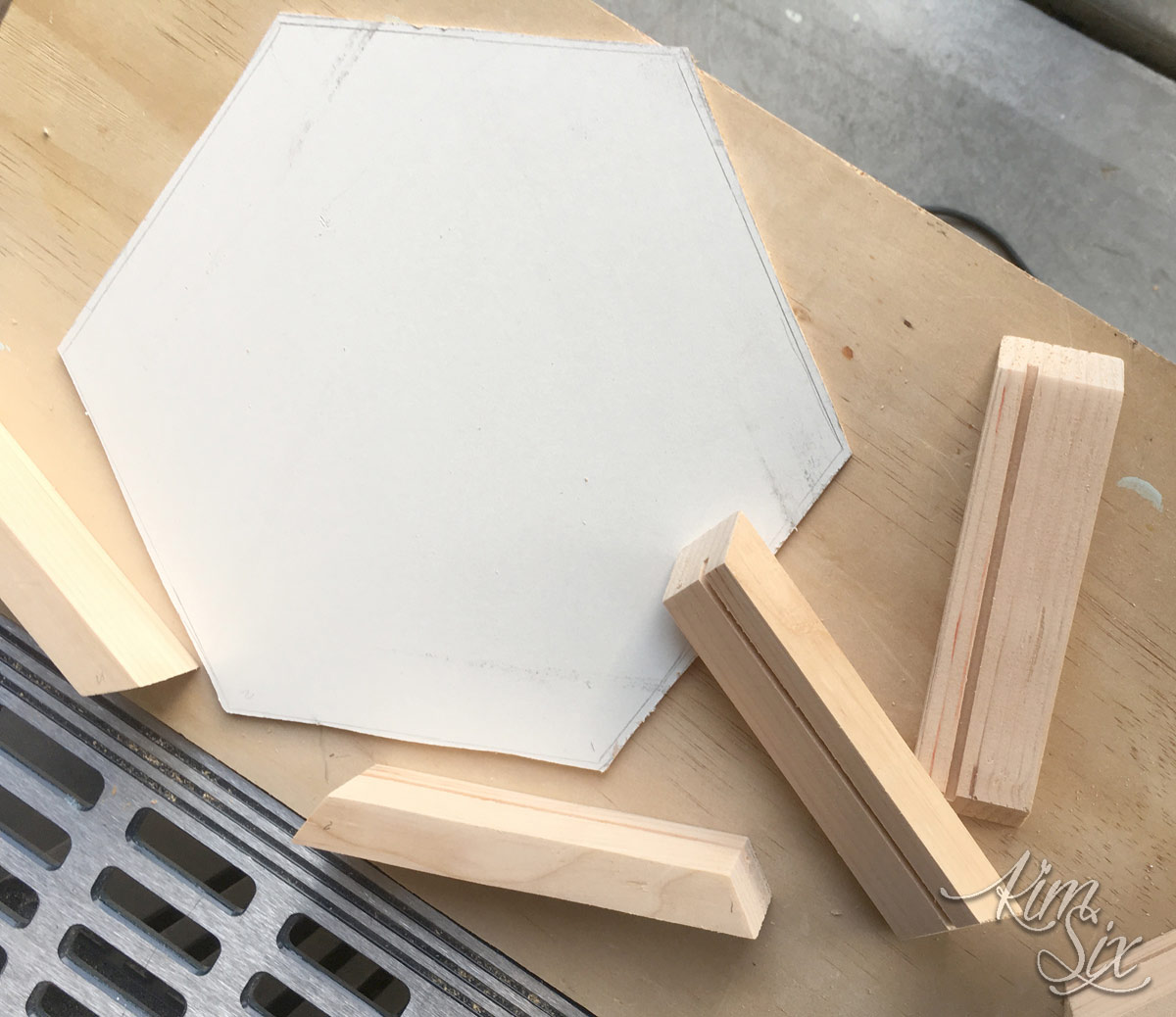 Assembling wooden hexagonal tray