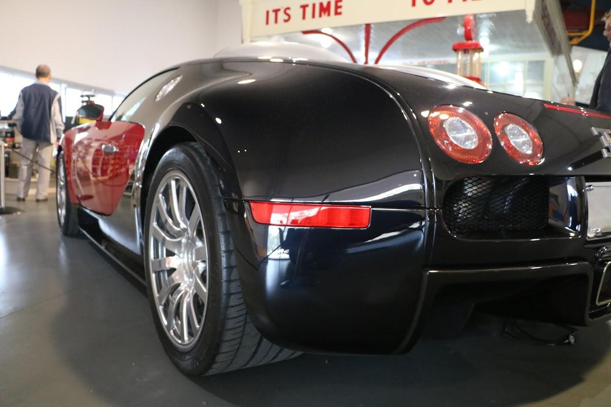 Jaguar_National_Rally_2018-04-14_0021 - Bugatti-Veyron.JPG
