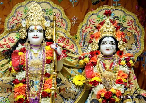 ISKCON Juhu Sringar Deity Darshan on 5th Sep 2016 (30)