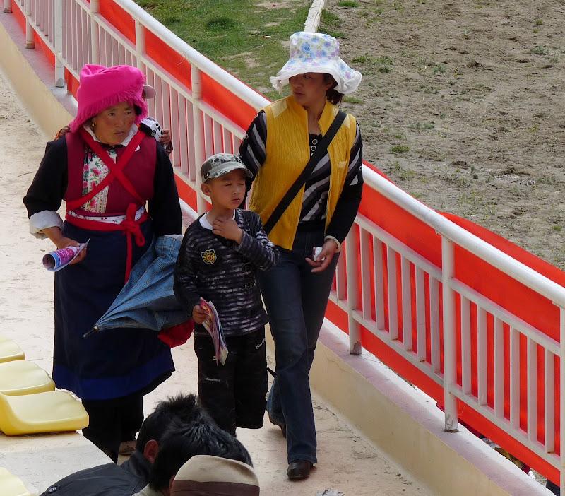 Chine. Yunnan.Shangri la Course hippique annuelle - P1250681.JPG