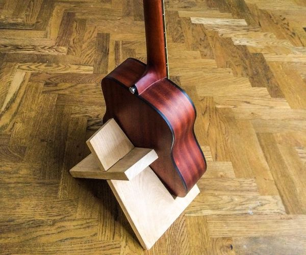 one board guitar stand