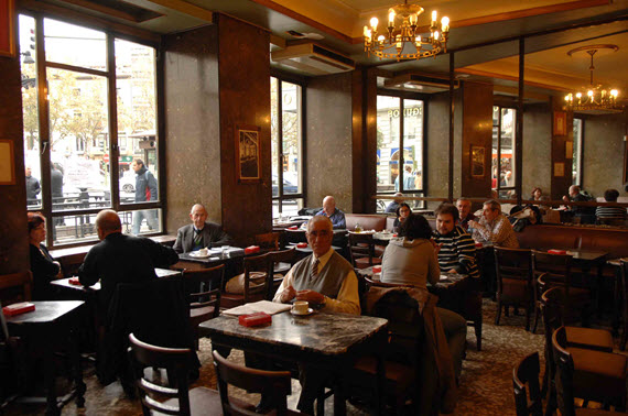 Protección para los elementos arquitectónicos y ornamentales del Café Comercial