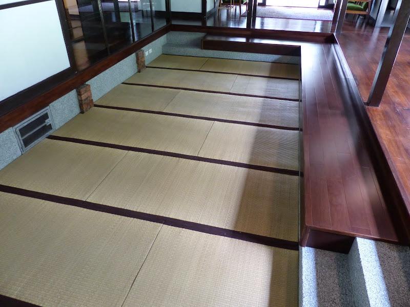 Taipei. Librairie Eslite, et deux maisons japonaises restaurées (dédiées à la poésie) - P1240922.JPG