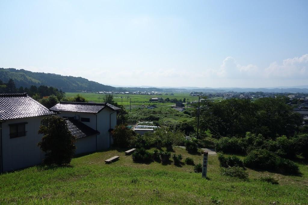 墳丘からの眺め  桜谷古墳 富山県高岡市太田