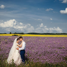 Wedding photographer Olya Yackiv (Delfin4uk). Photo of 08.07.2016
