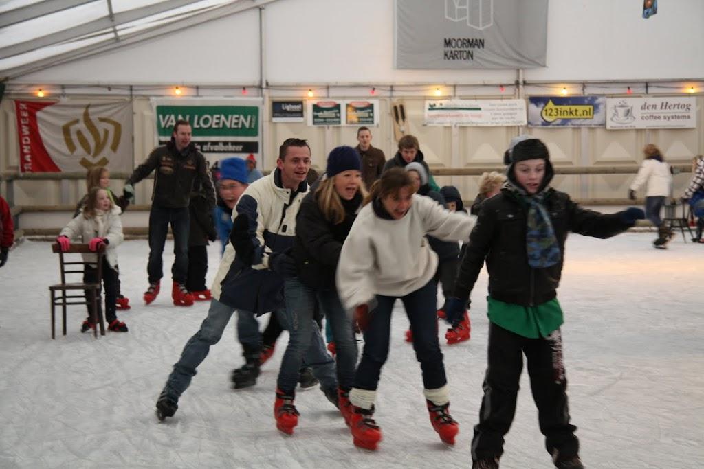 Sinterklaas bij de schaatsbaan - IMG_0352.JPG