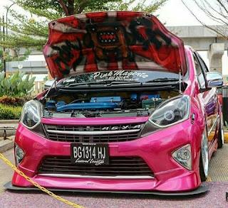 Gambar Modifikasi Daihatsu Agya merah muda