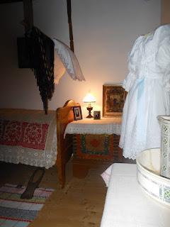 starodávna posteľ so slameným strožochom  - madrac
