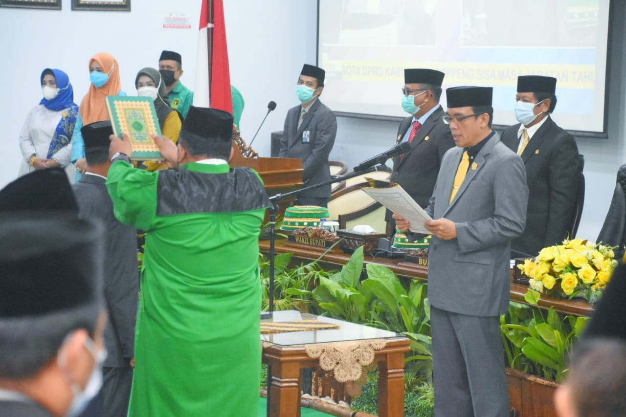 Ketua DPRD Kabupaten Soppeng Lantik PAW Mursalin Sebagai Anggota Legislator dari PPP