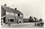 Poortugaal. Albrandswaardseweg met Postkantoor en Raiffeisenbank - Spaarbank.  Ongelopen