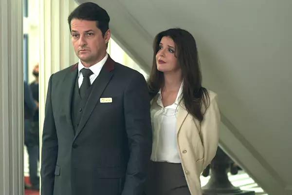 Pega Pega - Maria Pia Chantageia Malagueta após descobrir tudo sobre o roubo do hotel.