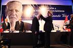 """Imposición de la Distinción a los Valores Democráticos """"Fernando Belaunde Terry"""" al señor Javier Alva Orlandini, fundador del partido Acción Popular"""