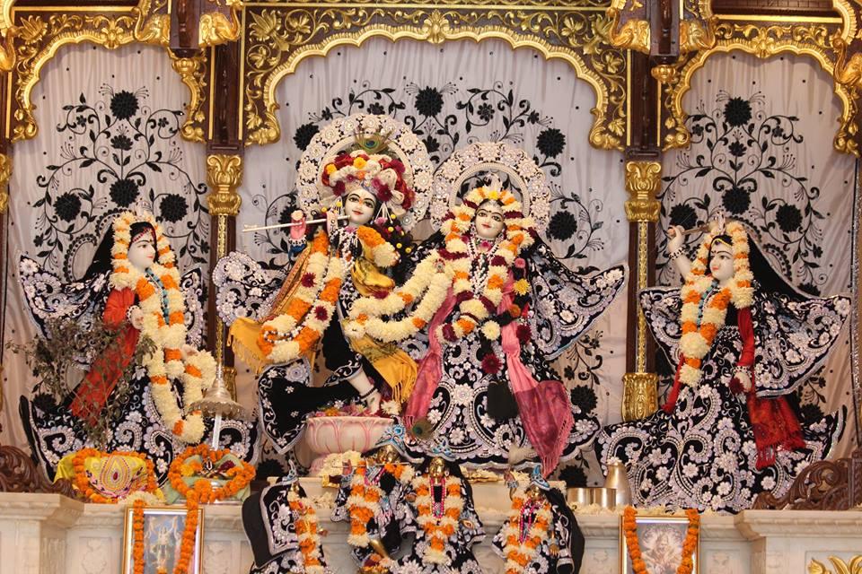 ISKCON Kanpur Deity Darshan 19 Dec 2015 (17)