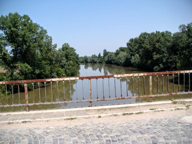 , Along Iskar River. Selfie on the banks of the Danube and go back.