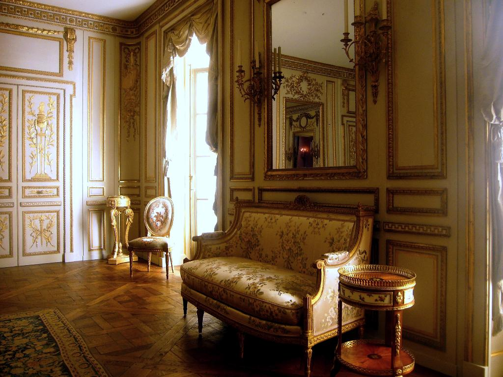 Paisley curtain boiserie for French interieur