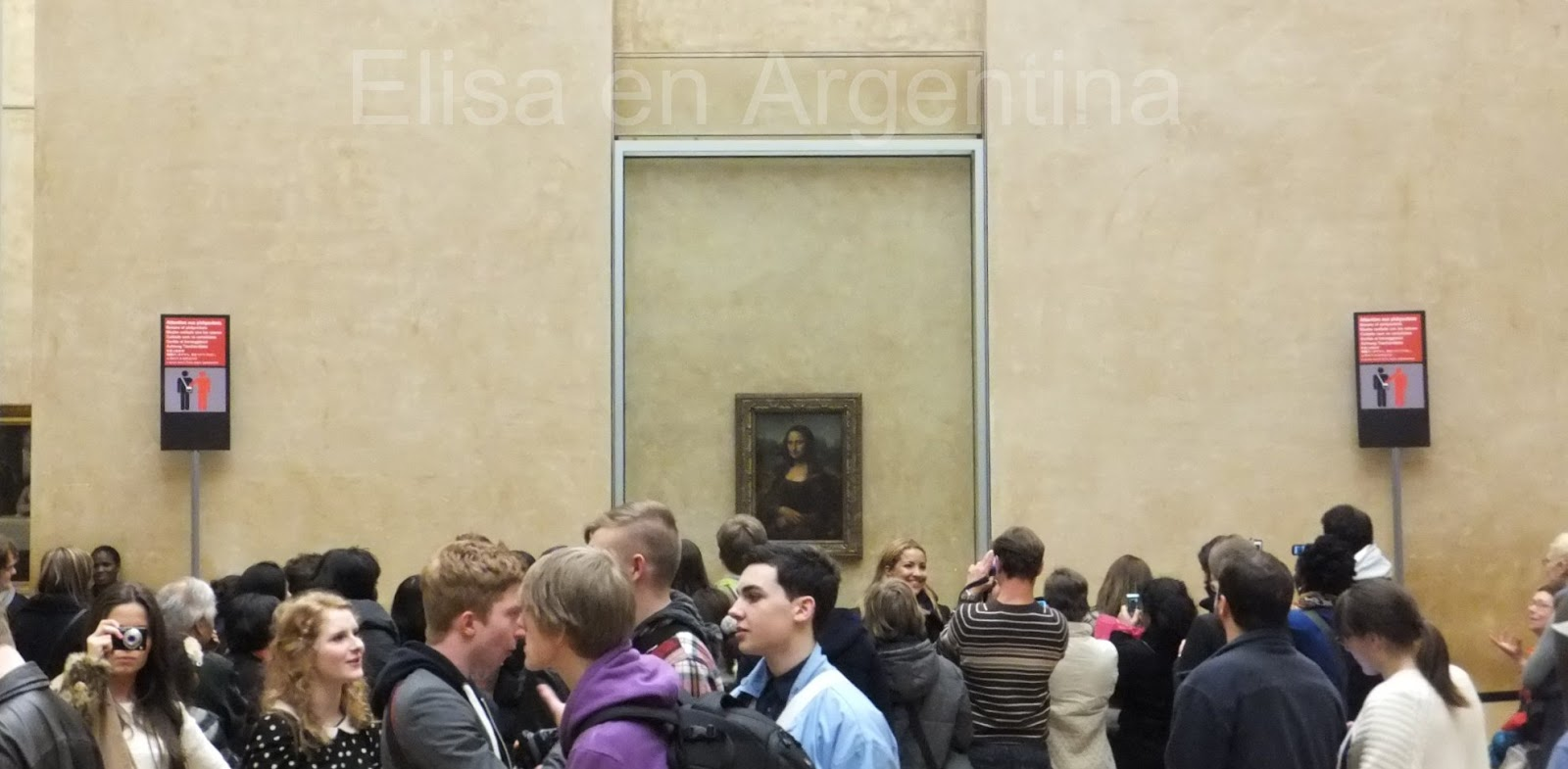 People in Paris, Louvre