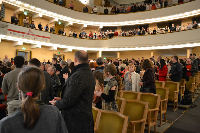 Публика встречает Блаженнейшего Любомира стоя