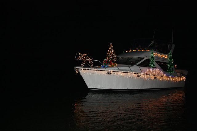 2009 Christmas Boat Parade - IMG_2730.JPG