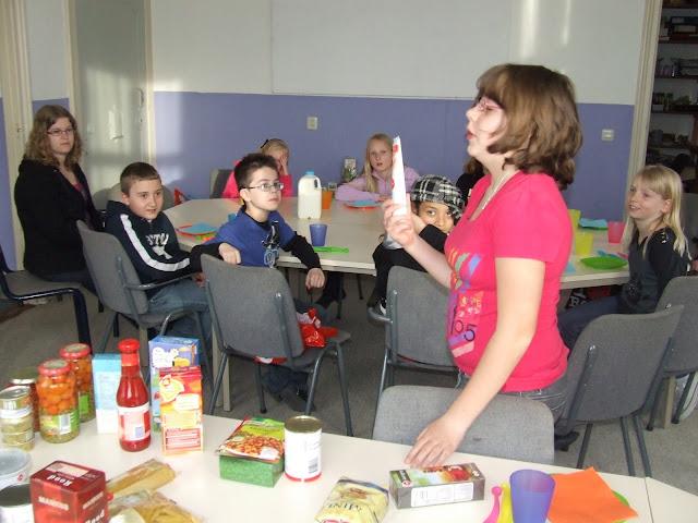 Sobere maaltijd voor de kinderen van de kinderkerkclub. - DSCF5785.JPG