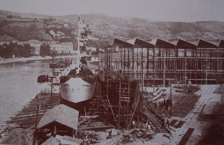 Botadura del vapor SAN MAMES. Foto del libro EUSKALDUNA remitida por Juan Mª Rekalde. Nuestro agradecimiento.jpg