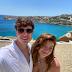 Filho de Gugu mostra fotos de viagem a Grécia com namorada