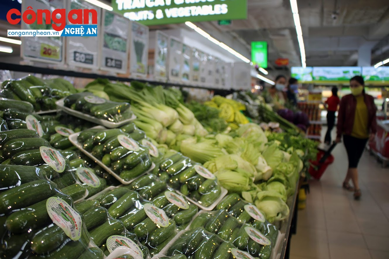 Các loại rau xanh, củ quả liên tục được bổ sung
