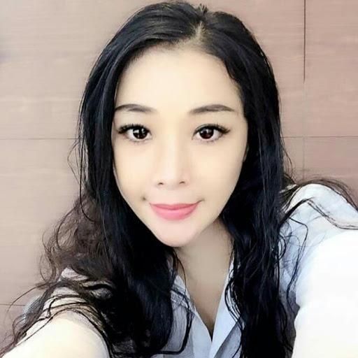 Lily Tsai