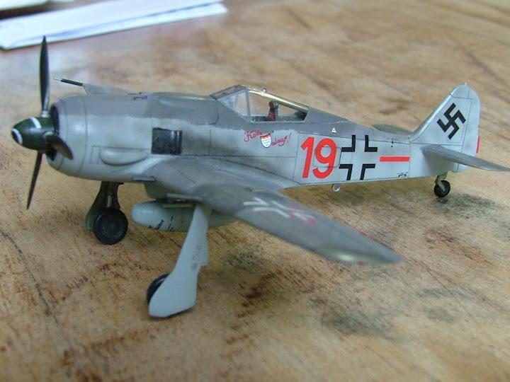 [Academy] Focke Wulf Fw-190A-8 DSCF3027