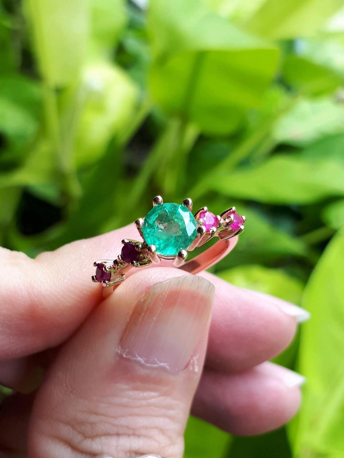 Nhẫn nữ Natural Emerald Ngọc Lục Bảo Colombia thiên nhiên