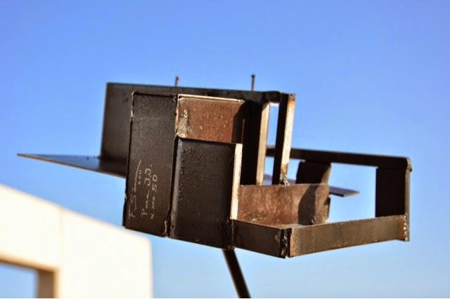 escultura de la maqueta de mi casa regalo para mi amigo el genial arquitecto juan julian del toro acero corten