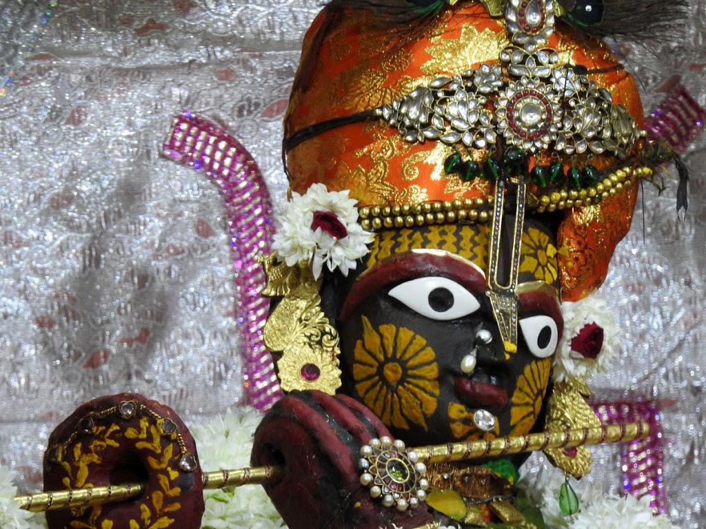 Radha Govind Devji Deity Darshan 08 Jan 2017 (11)