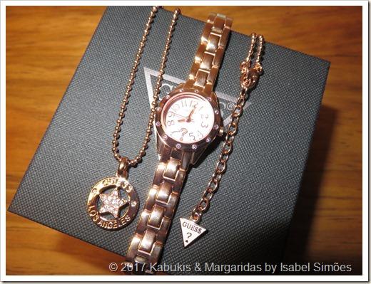 Relógio de Quartzo de Aço Dourado Rosa e Colar da Guess