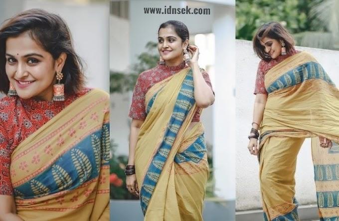 Remya Nambeesan wearing a sari in Superlook