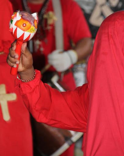 Maraca de diablo en el día de Corpus Christi en San Francisco de Yare, Municipio Bolivar, Miranda Venezuela
