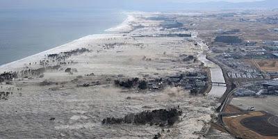 Foto: Dahsyatnya Tsunami Jepang