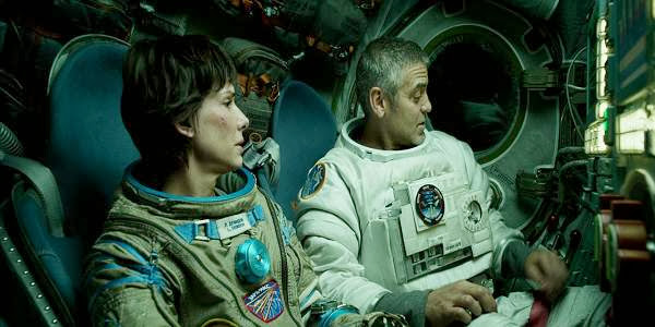 Screen Shot Of Hollywood Movie Gravity (2013) In Hindi English Full Movie Free Download And Watch Online at Alldownloads4u.Com