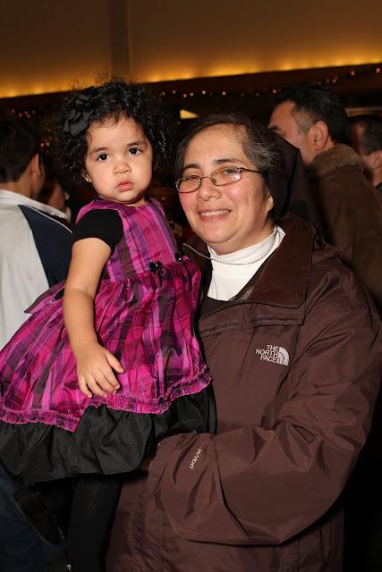 OLOS Navidad 2010 con Amigos Migrantes - IMG_9793.JPG