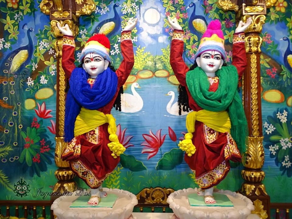 ISKCON Mira Road Mangla Deity Darshan 18 Dec 2015 (19)