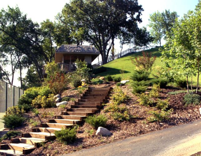 Muro di sostegno per terrazzo? Giardini-giardino in collina ...