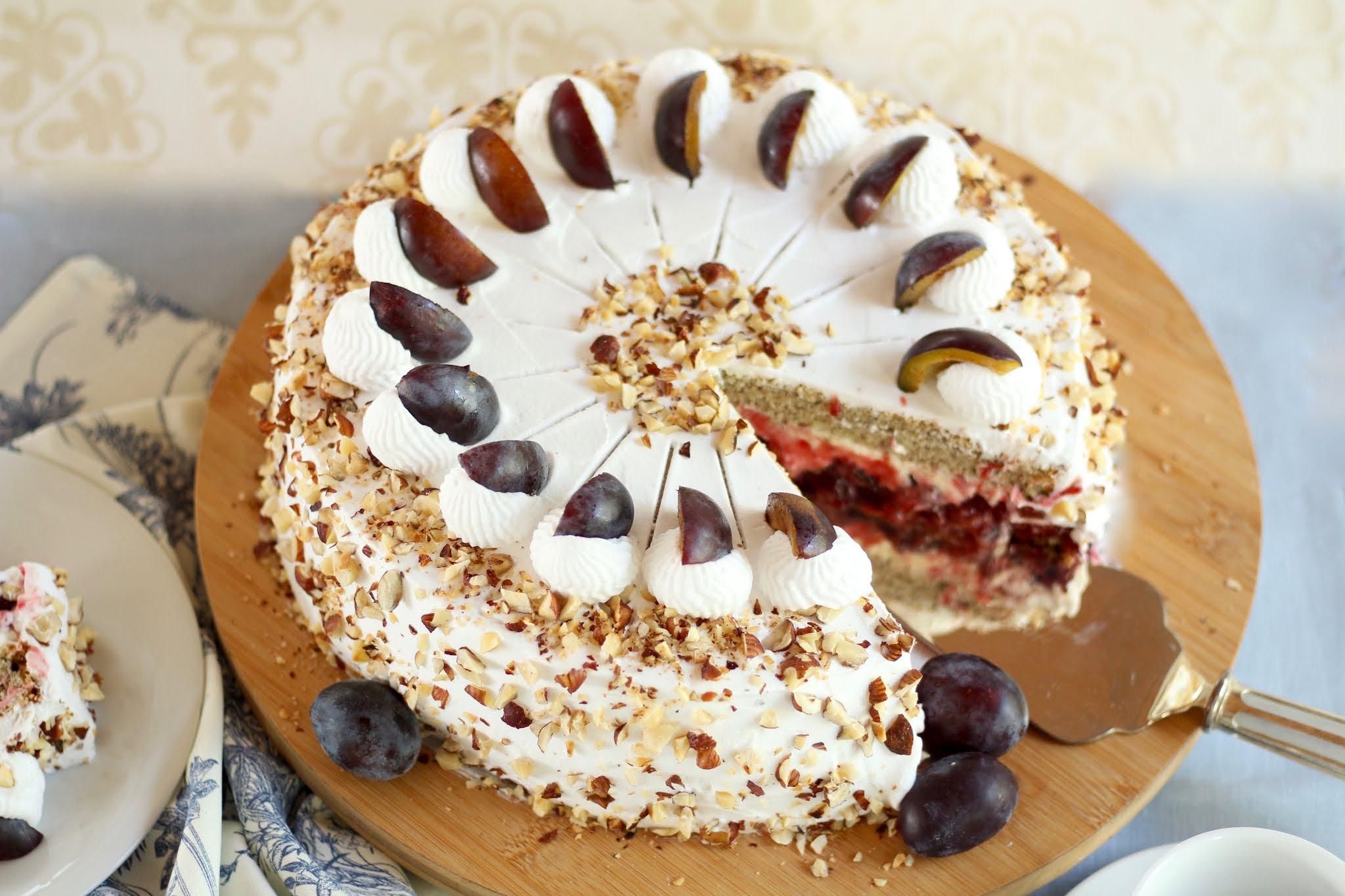 Himmlisch herbstliche Zwetschgen Sahne Torte | Rezept und Video von Sugarprincess